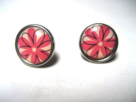 Pink Flower Studs - Pink and black daisy post earrings