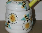 Vintage style Bumble Bee Honey Jar, Bees in the Buttermilk, Honey Bee, Buz Honey Comb, Bee Hive retro Country Kitchen decor b5