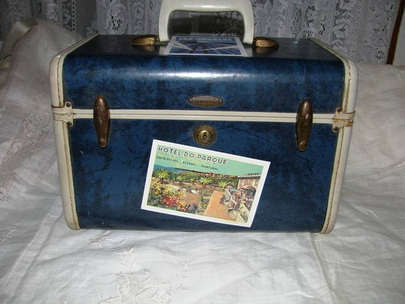 Vintage 1940's-1950's Samsonite Train Suit Case, overnighter suitcase, Navy Blue Tan Leather, Shwayder Bros. Inc., Denver, Detroit antique unique Airliner traveler luggage tote for travel by Railroad or Airplane classic 40's retro Holiday