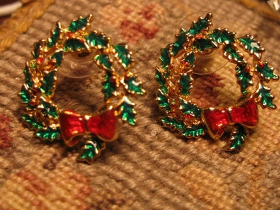 Vintage Christmas Wreath Post Earrings, Red Bow Holly Wreath Earrings, Christmas Holiday Accessory