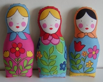 Sale 3 big russian dolls gift set featured in Kleinformat magazine FREE SHIPPING