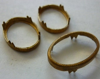 6 Vintage Oval Settings, 1950s Unplated Raw Brass w/Crown Prongs, For Cabochons, Stones, Cameos, Open Back Jewelry Findings, 16x10mm (C19)