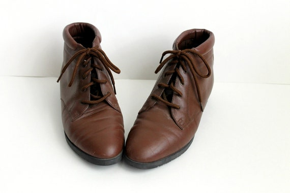 Vintage Brown Leather Boots / Ankle Boots