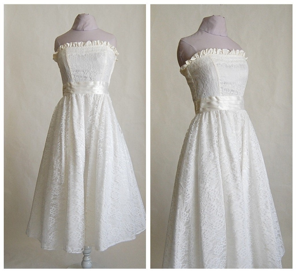 reserved Vintage 1960s JESSICA McCLINTOCK White Lace WEDDING