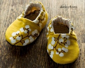 Ochre Branches // Baby Booties // Eco Friendly // you choose the size