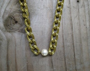 Insouciant Studios Ivy League Necklace Chain and Pearl