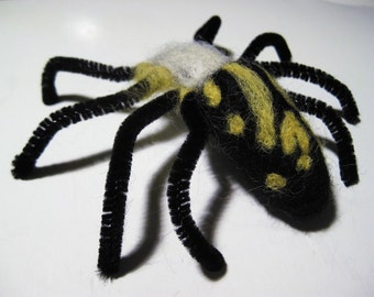 Woolpops Garden Spider Needle Felting Kit With Foam Felting Pad