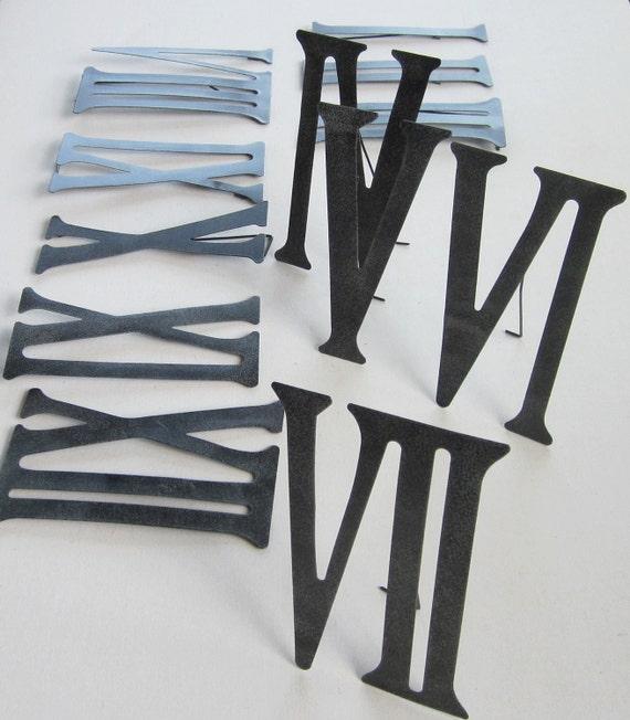 Ru00f6mische Ziffern Zahlen 1 bis 12 aus Metall