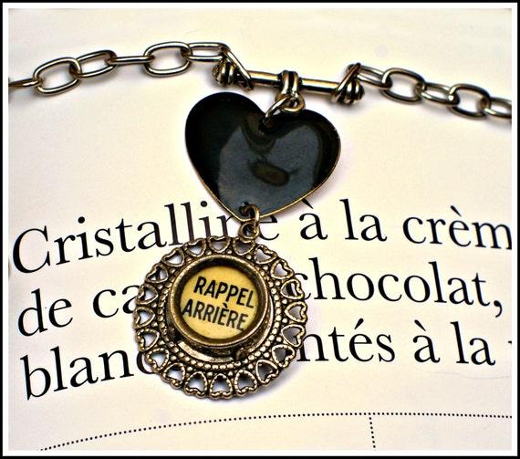Vintage Typewriter Key Necklace - Rappel Arrière