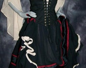 Gypsy Renaissance Pirate Gown Dress costum naughty Wench Womens Costume Equestrian