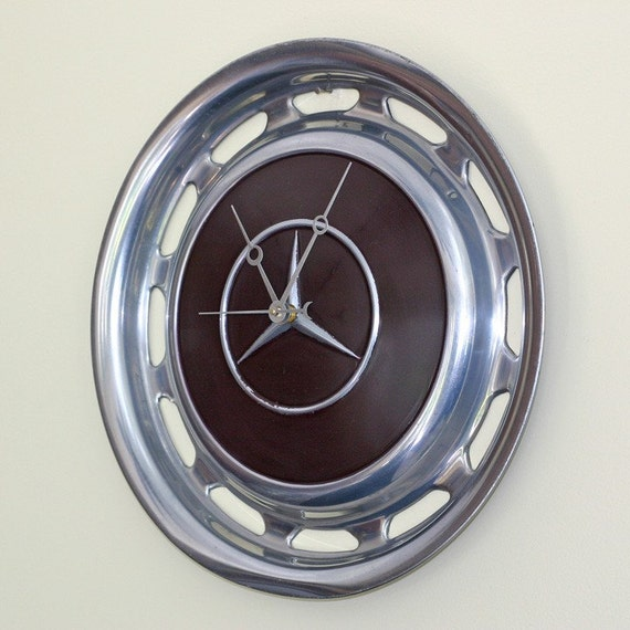 Hubcap clock 1950 39 s mercedes benz by stevenshaverdesigns for Mercedes benz hubcaps