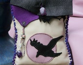 RAVEN tarot bag, medicine pouch with AMETHYS, ROCK CRYSTAL, ONYX, antique Venetian trade beads