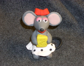 Miss Molly the polymer clay mouse