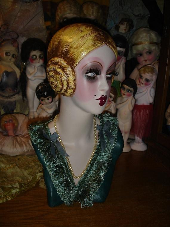 Flapper Mannequin Head Golden Blonde Cubeb Boudoir Doll Style Hat Display