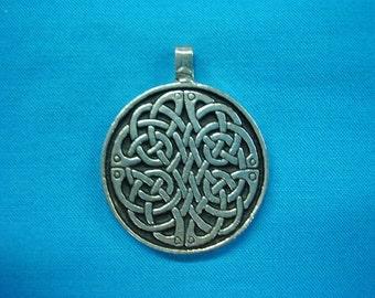 Large Circular Celtic Knotwork Pendant in Silver Pewter, Handmade, Handcast STK025