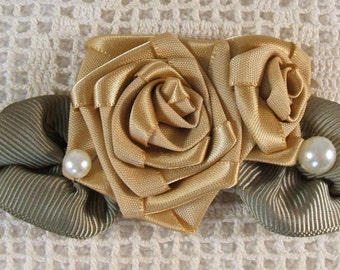 Victorian Hand Stitched Ribbon Rose Cluster Applique Trim (Golden)