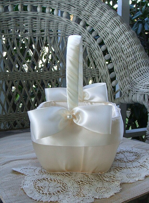 Flower Girl Basket Square Handmade for Wedding NOUVEAU Flowergirl in Ivory or White