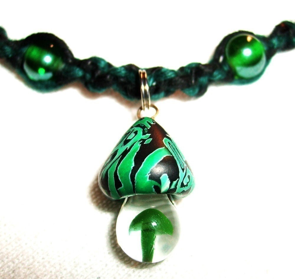 Emerald Green Celtic Mushroom Hemp Necklace With Blown Glass