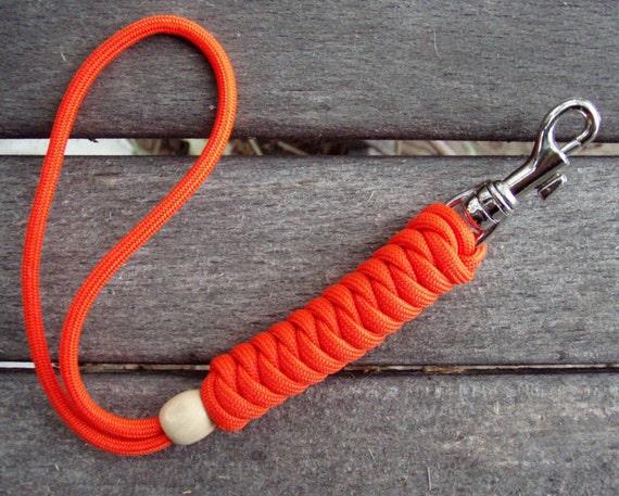 Wrist lanyard solar orange hand braided paracord for Easy paracord lanyard