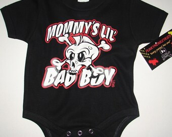 nwt black onesie or toddler tee of a mowhak skull with wording mommy's lil bad boy
