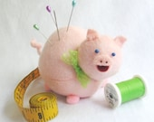 Cute Pink Pig Felt Pin Cushion - cute felt pig collectable or Gift for animal lover Gift for pig lover Gift for sewer - MTO