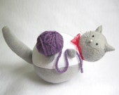Felt Gray and White Cat Pincushion with Ball of Yarn - cute felt kitty cat collectable Gift for cat lover Gift for sewer - Lawrence - MTO