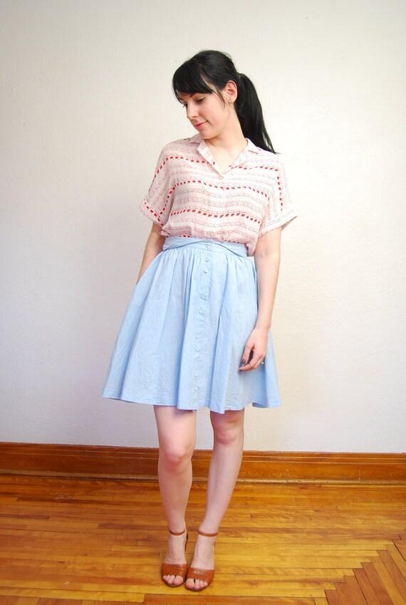 vintage 1980s / chambray / pastel blue / circle skirt / high waist / pockets / S