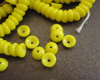 Vintage Glass Beads (24) Lemon Yellow Beads