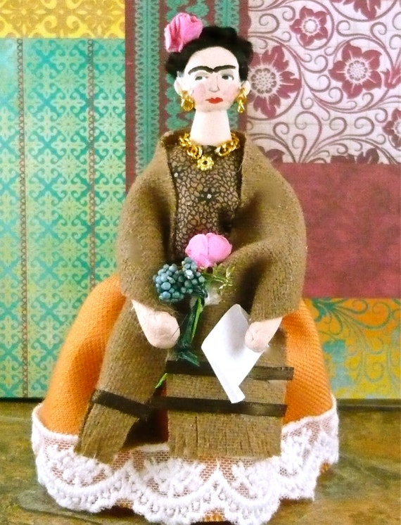 Doll Art Miniature Frida Kahlo in Peach Skirt and Shawl