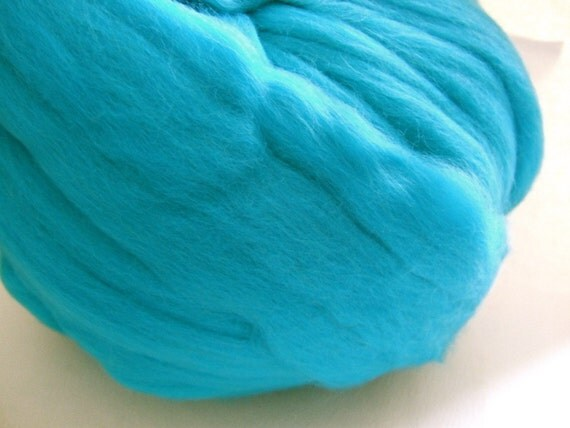 Turquoise Colonial Wool Top - 3 Ounces