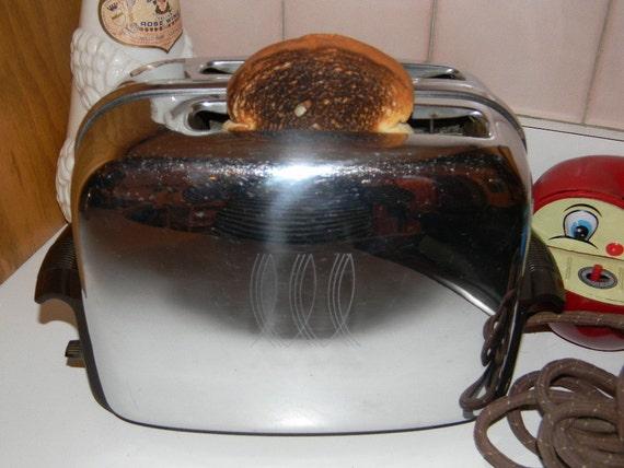 SALE Vintage Chrome Art Deco Toaster