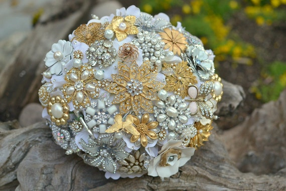 Let me turn your jewelry into an heirloom brooch bridal bouquet
