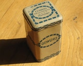 Little vintage tin spice canister from Germany