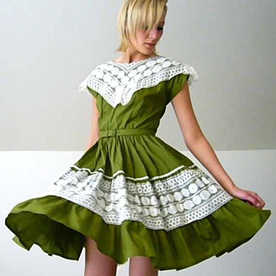 1950's Swing Dancing Dress in Avocado and Lace