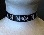 Black with White Pirate Skulls Chain Clasp Choker w/ Bell