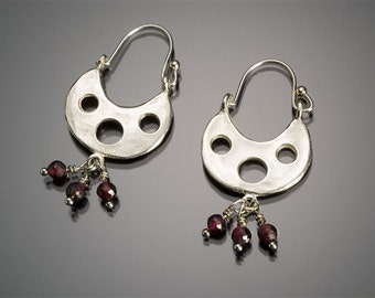 Silver  hoop earring garnet dangle bead bohemian shape