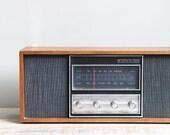 Vintage1960's  Working AM FM Radio model 5864 / Wood Casing