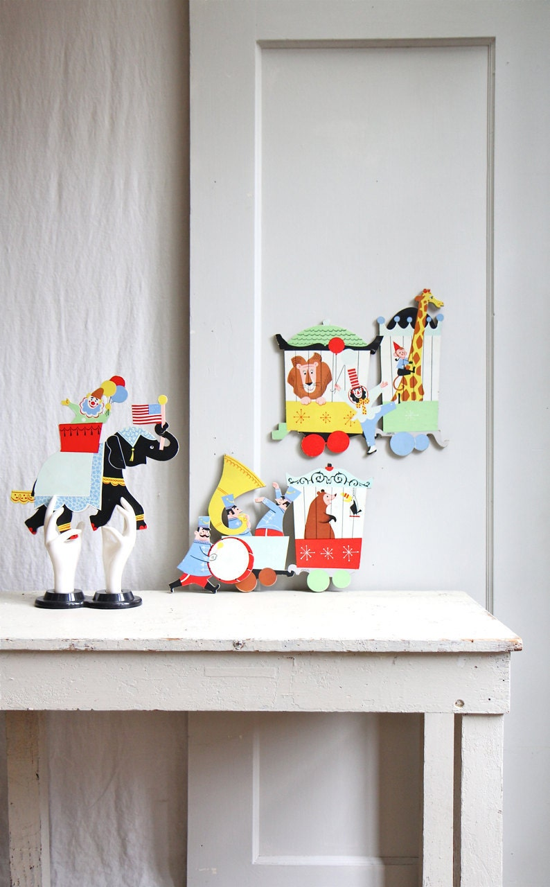 Large Vintage Circus Puzzle Piece Party Decor Wall Hanging