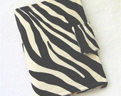 E-READER KINDLE CASE in Zebra and Yellow