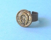 Vintage button ring-lucky Western horseshoe design
