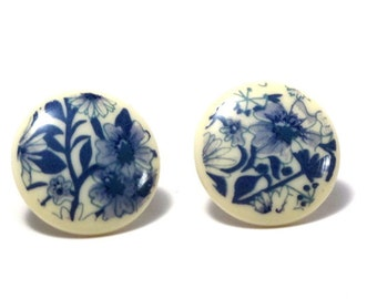 Wedgewood Blue Floral Post