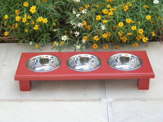 """Red Elevated 3-Bowl Cat Feeder 3"""" Tall with 1-Pint Bowls"""