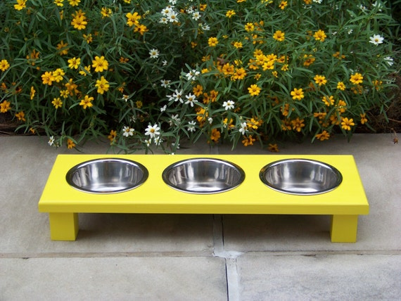 """Yellow Elevated 3-Bowl Cat Feeder 3"""" Tall with 1-Pint Bowl"""