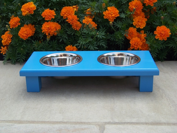 """Blue Elevated Cat Bowl Feeder 3"""" Tall with 1-Pint Bowls"""