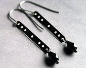 Industrial Jewelry : Hardwear, long earrings with black stones