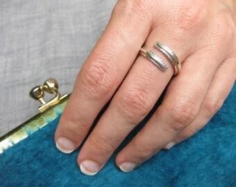 Sea creature stingray spine ring - silver