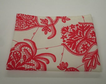 Souvenir in Ivory Reusable Snack Bag