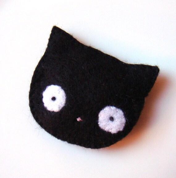 Felt brooch Cute Black Cat Pin Handmade Weird Halloween Jewelry Accessory