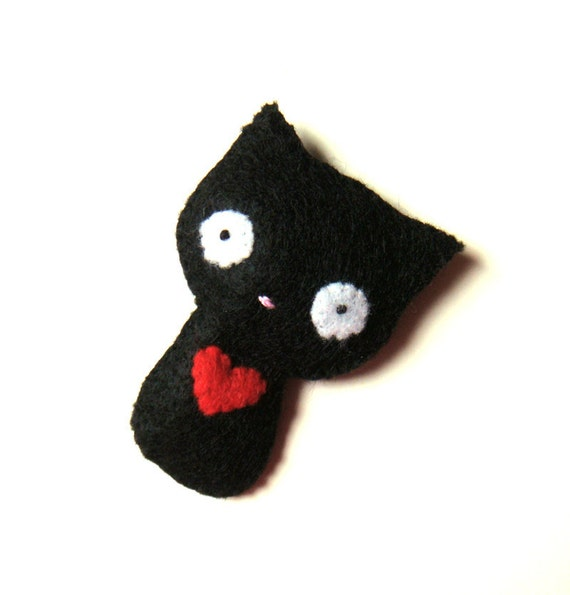 Felt Brooch Cute Black cat with Red Heart Pin Button Accessory MiKa Art