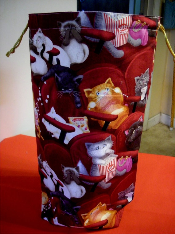 The Tall Project Bag Scared CATS at the movies  B - 16